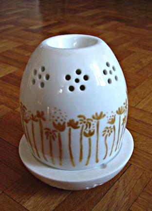 diffuseur de parfum en porcelaine peinte