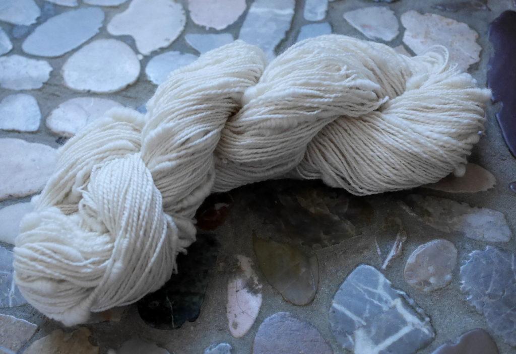 filage d'art laine et coquillages