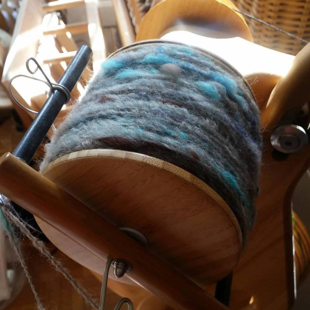 filage artisanal rouet corespinning